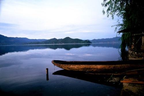 宁静泸沽湖