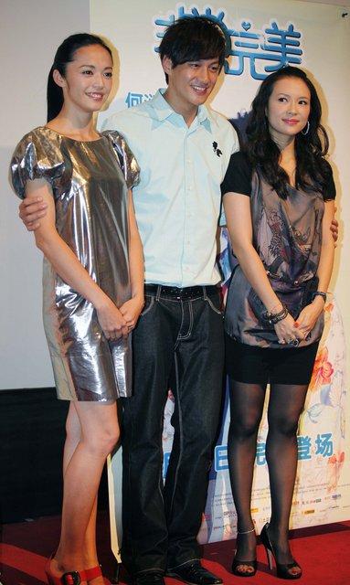 8月12日晚,结束上海的宣传,章子怡匆忙赶往广州进行宣传。