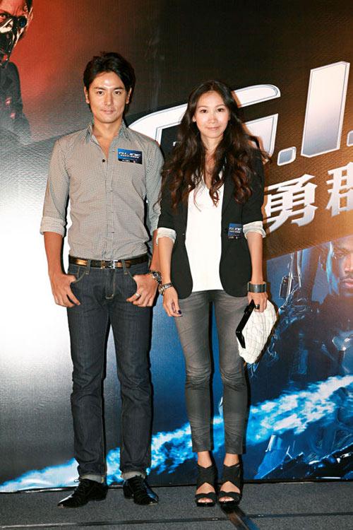 铃木仁及女友为《特种部队》首映捧场。