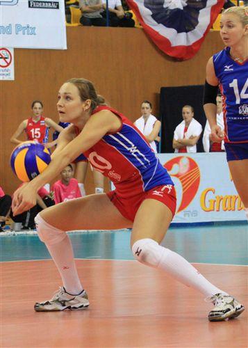 图文:俄罗斯女排3-1美国女排 俄罗斯队防守