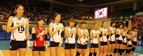 韩国女排亮相