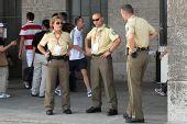 图文:09柏林世锦赛首日花絮 执勤警察都很酷