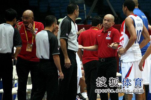 亚锦赛韩国VS菲律宾 与裁判交涉