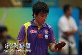 图文:中国赛王皓4-3郝帅夺冠 都是球拍的错?