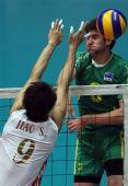 图文:中国男排3-1澳大利亚 焦帅单人拦网