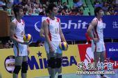 图文:中国男排3-1澳大利亚 队员集体观望
