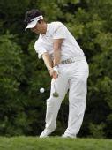 图文:梁荣银获PGA锦标赛冠军 大力开球