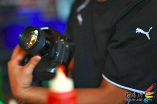 韩系人像王 三星85mm F1.4镜头谍照曝光