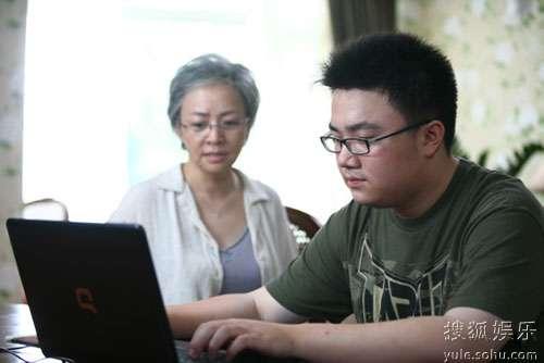 宋丹丹的儿子巴图在剧中饰演紫霞孙子