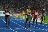 图文:世锦赛女子400米栏决赛 沃尔克成功撞线
