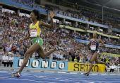 图文:世锦赛女子400米栏决赛 沃尔克率先撞线