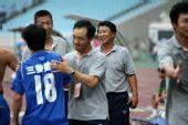 图文:[中超]江苏1-0北京 江苏庆祝