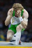 图文:世锦赛男子撑竿跳高决赛 胡克嚎啕大哭