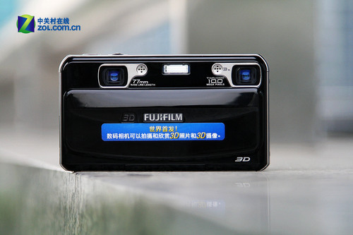 世界首款3D数码相机 富士W1真机精美图赏