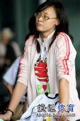 图文:中国女排抵达北京 惠若琪满是期待