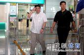 图文:中国女排抵达北京 蔡斌心情不错