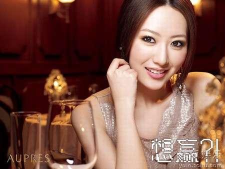 时尚赢爱女生首映主演白冰成短发女达人v时尚中图片物语气质发型短剧图片