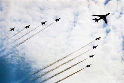 中国特级飞行员:电子干扰机等将亮相国庆阅兵
