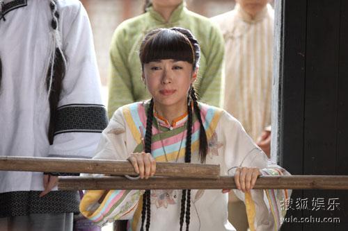 李菲儿在《锁清秋》中的扮相