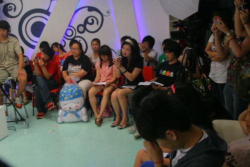 图:《一起来看流星雨》 主演做客搜狐―― 5