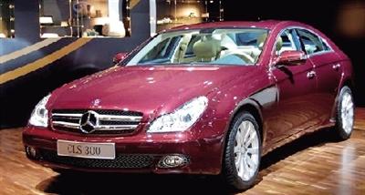 奔驰四门轿跑cls300上市 售价79.8万元 高清图片