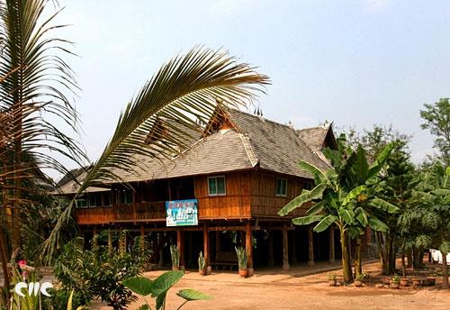 西双版纳橄榄坝傣族民居图片