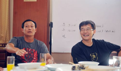 图文:[中超]成都队内部法庭 王宝山和孙继海