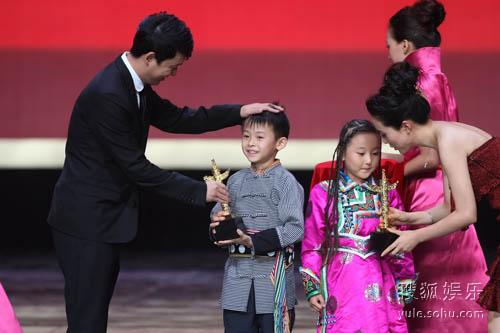 13届华表奖颁奖现场 优秀少儿影片男女演员