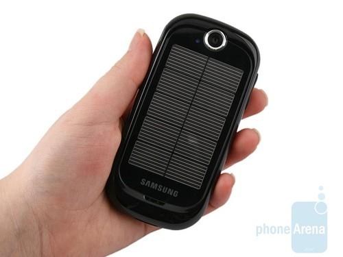 触控太阳能手机来袭 三星S7550抢先评