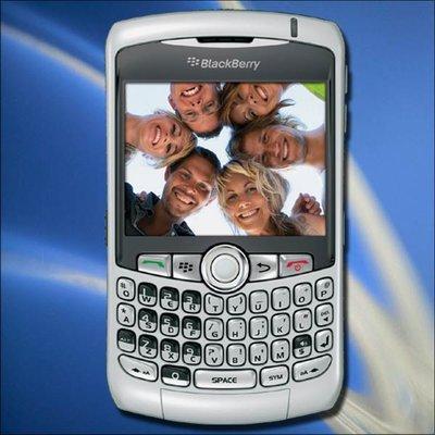 iPhone黑莓受运营商追捧 国产手机沦为3G配角