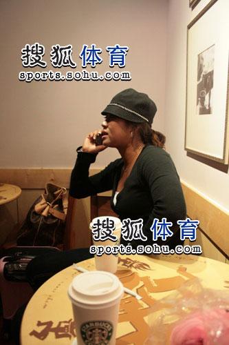 图文:韩端结束留美返回北京 给家人报平安