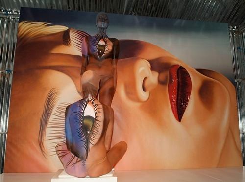 日本早早人体艺术_在派对现场展现神乎其技的全裸人体彩绘艺术!
