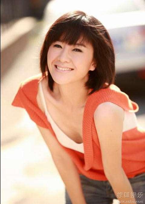徐囡楠化身美丽女教师