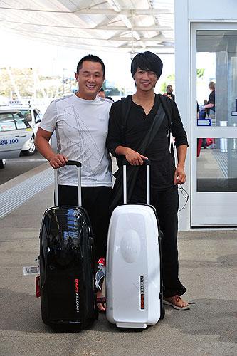 韩寒与一同前去参加比赛的百灵车队车手刘曹东