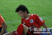 图文:[中甲]辽宁2-0东亚 杨旭有些痛苦