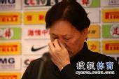 图文:[中超]北京1-0陕西 闭目养神