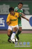 图文:[中超]北京1-0陕西 马丁反抢