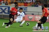 图文:[中超]天津VS成都 聊博超防守