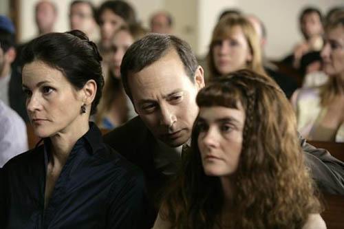 索伦兹十年之后重揭旧作中主角的疮疤,获得水城媒体的普遍青睐。