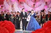 组图:殷秀梅阎维文合唱《我和我的祖国》