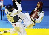 图文:十一运跆拳道男子68KG级 李来告负获银牌