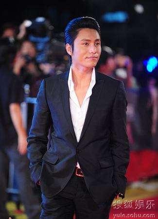 陈坤出席首映庆典