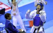 图文:11运跆拳道男子80公斤级 赵林庆祝胜利