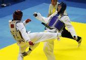 图文:11运跆拳道男子80公斤级 赵林与对手力拼