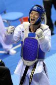 图文:11运跆拳道男子80公斤级 赵林庆祝夺冠