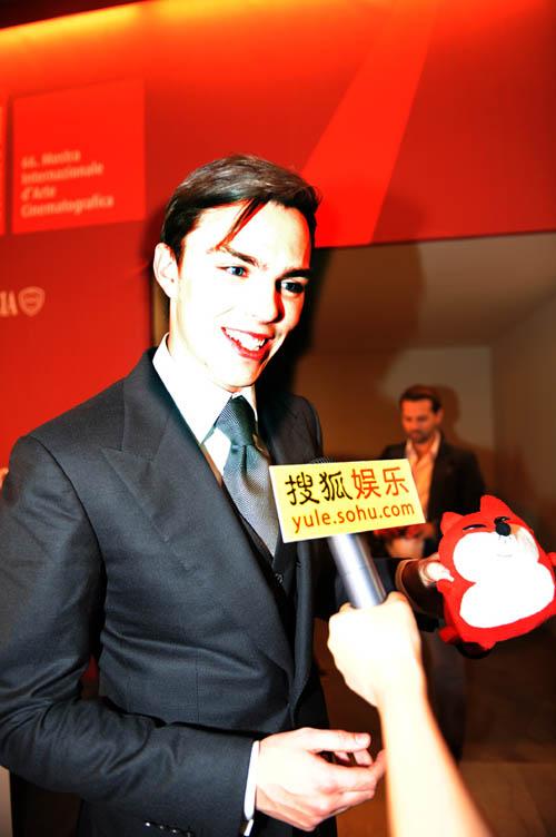 霍尔特接受搜狐娱乐采访