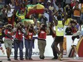 图文:总决赛博尔特200米夺冠 面对媒体