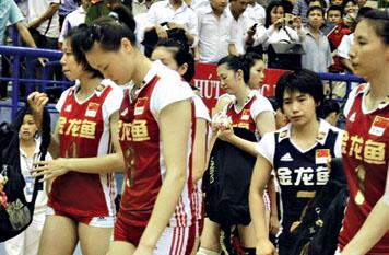 对于决赛中队员们的有心无力,蔡斌给出的解释是大家太想夺回冠军了
