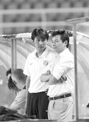 朱骏扬言赢球才离开教练席