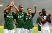图文:[中超]杭州1-1长沙 绿城庆幸平局